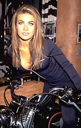 BabeStop - World's Largest Babe Site - carmen_electra139.jpg
